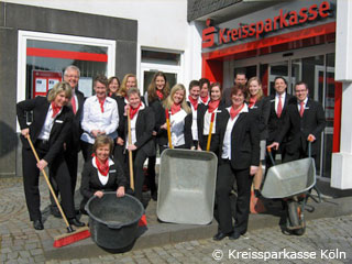 Mini-Haus-Messe in Wipperfürther Sparkasse